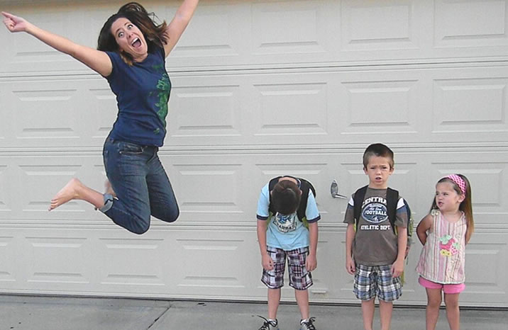 back to school happy parent